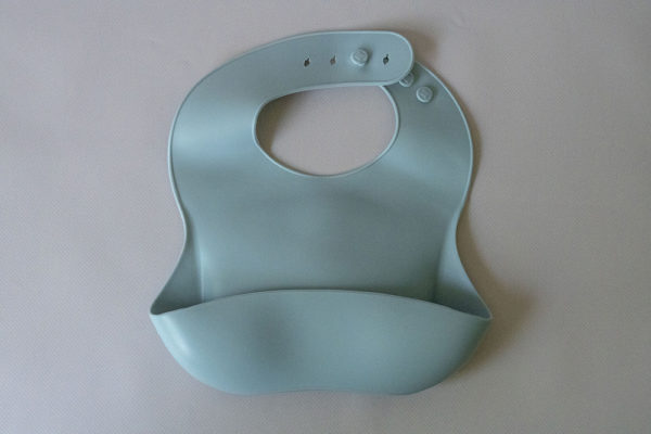 CB012_Cubs_Collection_Silicone Bib Blue Gray